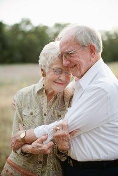 O amor não tem idade....quando é verdadeiro só aumenta com o tempo..