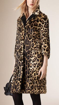 Camel Animal Print Rabbit Fur and Shearling Coat - Image 2 Animal Print Outfits, Leopard Print Coat, Vintage Trends, Over 50 Womens Fashion, Vogue, Shearling Coat, Animal Fashion, Couture Fashion, Passion For Fashion