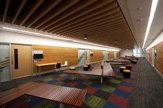 Griffith University - Seminar room breakout space