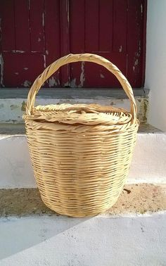 Extra Large Jane Birkin Basket with Lid // Handmade basket with lid // Handwoven Birkin Basket //Eco-friendly // Natural color by DreamBaskets on Etsy Bridal Clutch, Wedding Clutch, Woodstock Outfit, Big Glasses, Jane Birkin, Beaded Clutch, Basket Bag, Cloth Bags, Evening Bags