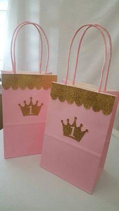 Princesa regalos bolsas por CraftySistersPlus1 en Etsy                                                                                                                                                                                 Más