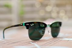 // ray ban // clubmaster // green brown