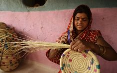 Ranidongri - The basket makers in disguise Amazing India, Indian Crafts, Anthropology, Tins, Handicraft, Straw Bag, Bowls, Baskets, Weaving