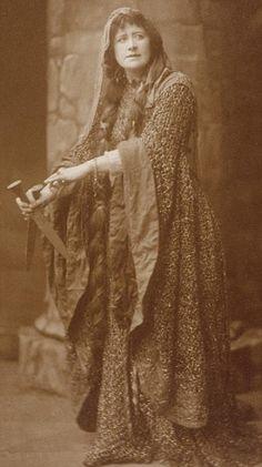 Ellen Terry as Lady Macbeth wearing the dress in 1888