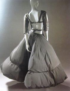 "book ""contro moda"" jean paul gaultier 1999-2000"