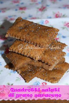 Quadrotti salati al grano saraceno - Buckwheat crackers Crackers, Gluten Free, Favorite Recipes, Meat, Cooking, Desserts, Food, Glutenfree, Kitchen