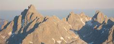 Las 10 cumbres más altas de Asturias - La Nueva España - Diario Independiente de Asturias Mount Everest, Mountains, Nature, Travel, Daily Journal, Scenery, Naturaleza, Viajes, Trips