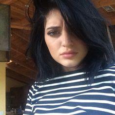 Kylie Jenner. Short. Black.