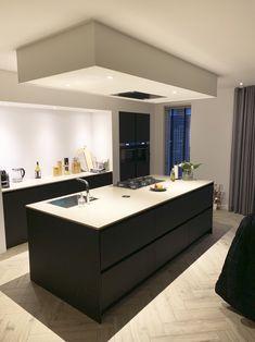 Modern Kitchen Cabinets, Kitchen Units, Black Kitchens, Luxury Kitchens, Cottage House Designs, Minimalist Kitchen, Cuisines Design, Küchen Design, Interior Design Kitchen
