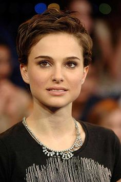 10  Best Natalie Portman Pixie Cuts | http://www.short-haircut.com/10-best-natalie-portman-pixie-cuts.html