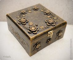 Tutorial for decorated wooden box (in Russian, but one can follow the images quite well).