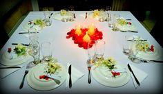 Mesa para convidados, decoração para festa de noivado.