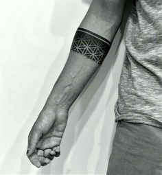 Armband tattoo became a very popular style in the past few years. If you're looking for a perfect armband tattoo - check out this collection! Band Tattoos For Men, Tattoo Band, Band Tattoo Designs, Forearm Band Tattoos, Elbow Tattoos, Best Tattoos For Women, Tattoo Bracelet, Line Tattoos, Sleeve Tattoos
