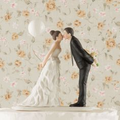 Cake Topper is sooo cute! Would customize with wedding colors on her bow, the balloon or its string...even the flowers!
