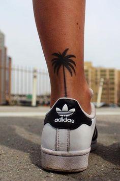 45 klitzekleine Tattoos, die eure Liebe zu Sommer, Sonne, Strand und Meer zeigen