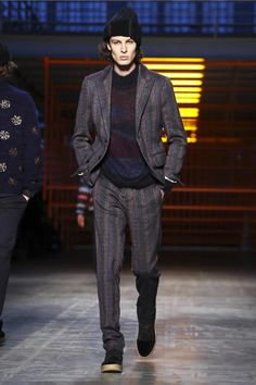Watch the livestream of the Missoni show menswear collection Fall/Winter 2017 from Milan.