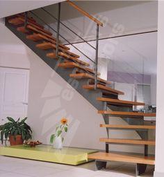 DT62 - ESCA'DROIT® Balancé. Escalier intérieur métal et bois au design contemporain formant un quart tournant bas sur limon central. Escaliers Décors®
