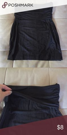 "Black GAP skirt with folded waist Approx 17"" from top to bottom. 95% rayon, 5% spandex. Rushed (scrunched) sides. Waist part of skirt folds over. Great condition! No pilling or holes. GAP Skirts"