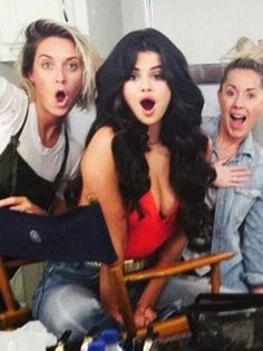 Selena Gomez Boobs Look Like Deflating Balloons On The Music Video Set Of 'I Want You To Know' - http://oceanup.com/2015/02/10/selena-gomez-boobs-look-like-deflating-balloons-on-the-music-video-set-of-i-want-you-to-know/