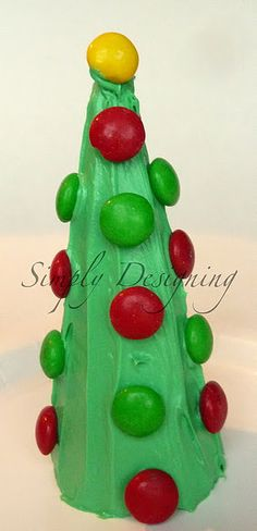 Christmas Tree Cone - fun kid craft using ice cream cone, green icing and M's think I might make these for my 4th grader's class this year:)  We are going to do this today!