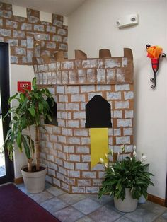 VBS Vacation Bible School Ideas For Medieval and Castle Themes Craft Fair Backdrop Bible School Crafts, Bible Crafts, Vbs Crafts, Crafts For Kids, Church Crafts, School Decorations, Castle Decorations, Medieval Decorations, Medieval Party