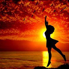 O sol que me aquece e me energiza. De coração quente e pés que flutuam***