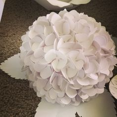 Beautiful new paper flower, hydrangea! #paperflower #gillumeventsanddesigns