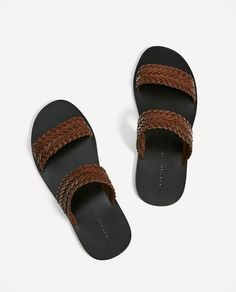 Nigerian Men Fashion, African Men Fashion, Mens Fashion, Leather Slippers For Men, Mens Slippers, Best Sandals For Men, Men Sandals, Shoe Art, Braided Leather