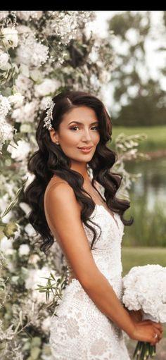 Bridal Hair Down, Wedding Hair Down, Wedding Hair And Makeup, Hairdo Wedding, Long Hair Wedding Styles, Wedding Hair Pieces, Formal Hairstyles For Long Hair, Bride Hairstyles, Bridal Beauty