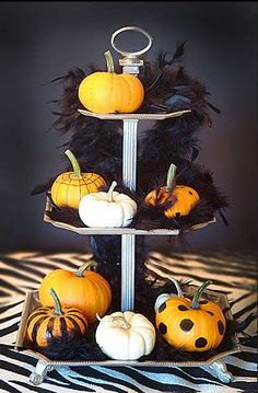 love the idea of painted pumpkins could do with the Mackenzie childs cake stand platter and candles! Holidays Halloween, Halloween Crafts, Holiday Crafts, Holiday Fun, Happy Halloween, Halloween Decorations, Halloween Party, Holiday Decor, Halloween Horror