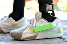 Teenager Invents Energy-Generating Shoe Insoles. This is so neat! Fifteen-year-old Angelo Casimiro from the Philippines has just invented a smart shoe insole that produces enough electricity when you walk to charge small USB devices.