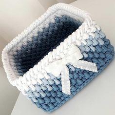 The most wonderful Crochet baskets and wicker works you'll enjoy Diy Crochet Basket, Free Crochet Bag, Crochet Basket Pattern, Knit Basket, Crochet Clutch, Crochet Art, Crochet Handbags, Crochet Gifts, Hand Crochet