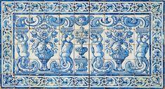"""""""Duas albarradas com querubins segurando flores""""  painel de 66 azulejos  português decoração a azul séc. XVIII (2º quartel)"""