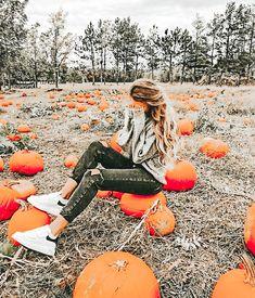 Pumpkin Patch Photography, Lightroom, Pumpkin Patch Pictures, Pumpkin Patch Outfit, Autumn Cozy, Autumn Photography, Photography Ideas, Fall Pictures, Fall Pics