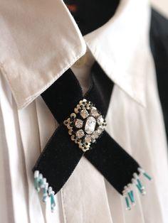 Craft Knockoff Tutorial: Western Velvet Jewel Collar