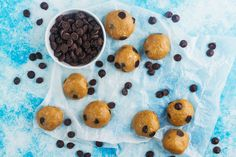 These Cookie Dough Energy Bites are a great way to satisfy a sweet craving and they make a fantastic snack! They can be stored in the fridge for up to a week, so you can make them for an afternoon snack for the kids, or for yourself. Then again, they are so tasty, they might not last that long!   Ingredients (makes 12 energy bites): 30g rolled oats 75g almond meal 1 tbsp honey 2 tbsp pure maple syrup 70g peanut butter 1 tsp vanilla extract 2 tbsp dark chocolate chips      Method: 1. Line a…
