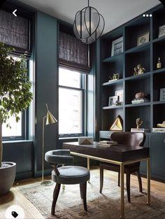 Bureau Design, Dark Green Walls, White Walls, Home Office Design, Home Office Decor, Office Ideas, Masculine Home Offices, Masculine Home Decor, Cool Office Space