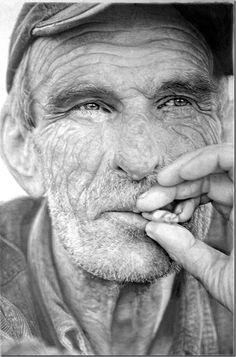 Hyper realistic Pencil Drawing art from Paul Cadden