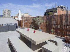Ático renovado espectacular en Eixample, con 50 m2 de terrazas y cocina y cuartos de baño de diseño
