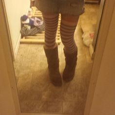 #sockswag #socktweet #throx (and yes theres dirty laundry on the floor. Get iver it. Lol)