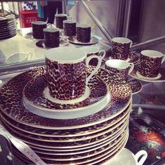 Animal Print Dishes want this! Art Nouveau, Art Deco, Animal Print Decor, Animal Prints, Bauhaus, Kitchenware, Tableware, Cheetah Print, Leopard Prints