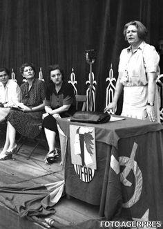 image-2011-11-15-10701169-70-ana-pauker-miting-uniunii-femeilor-antifasciste-din-romania.jpg (600×844)