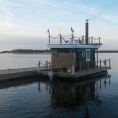Vi är ett gäng killar från Larsmo som byggde en bastuflotte i vintras och det blev ett toppen resultat :)