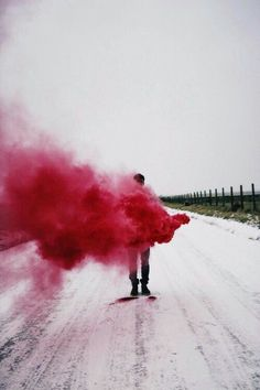 COLOR: The bright red smoke is a clear focus from the dull grey background. It also disperses out, which means that the artist intends the smoke to be a main importance. Smoke Bomb Photography, Color Photography, Anger Photography, Photography Aesthetic, Photography Portraits, Fred Instagram, Disney Instagram, Rauch Fotografie, Pastel Red