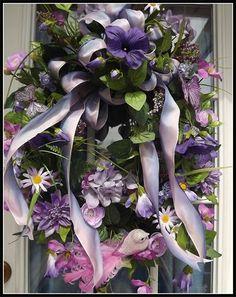 Wreaths: Decorative Door Wreaths, Luxury Christmas Wreaths - Mother's Day Wreaths - Maplesville, AL