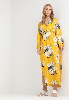 Only Petite ONLMIE MAXI DRESS - Fotsid kjole - vibrant yellow - Zalando.no
