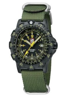 Here is the army style Luminox Recon Point Man Watch for men. This watch comes with tritium illumination for long lasting illumination on your wrist. Navy Seals, Cool Watches, Watches For Men, Wrist Watches, Women's Watches, Tritium Watches, Fall Lineup, Grey Watch, Nato Strap