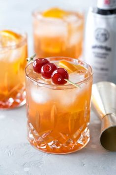 Old Fashioned Cherries, Bourbon Old Fashioned, Old Fashioned Recipes, Old Fashioned Cocktail, Brandy Cocktails, Classic Cocktails, Brandy Old Fashion Recipe, Brandy Old Fashion Sweet
