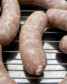 When it comes to the dueling sausages of our house, it's Bratwurst vs. Parsley and Cheese . Usually the P&C wins( Bonne Femme's fave), bu. Chicken Bratwurst Recipe, Bratwurst Recipes, Chicken Recipes, Chicken Sausage, How To Make Sausage, Sausage Making, Sausage Spices, Home Made Sausage, Sausage Recipes
