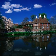 Oast Houses on the River Medway, Yalding Near Maidstone, Kent, England